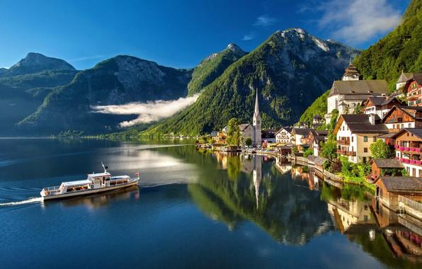 Картинка облака, горы, город, озеро, отражение, корабль, дома, Австрия, Hallstatt, Гальштат, Халльштатт, община