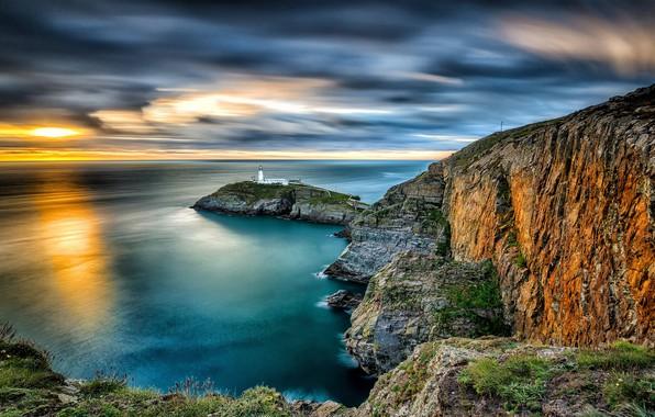 Картинка море, закат, скалы, маяк, остров, Англия, England, Уэльс, Wales, Ирландское море, Irish Sea, Саут-Стак, South …
