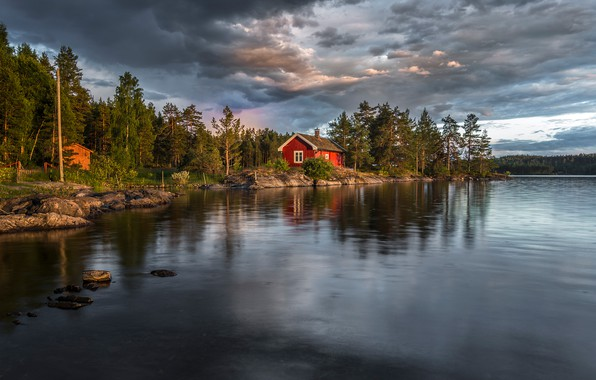 Картинка лес, небо, солнце, облака, деревья, тучи, река, камни, берег, вечер, Норвегия, домик, Ringerike