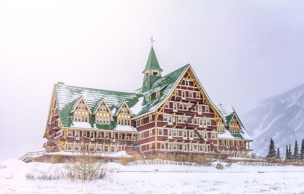 Картинка зима, лес, снег, горы, здание, Дом, отель, гостиница