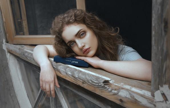 Картинка взгляд, девушка, лицо, настроение, руки, макияж, окно, книга, Наталья Янкелевич