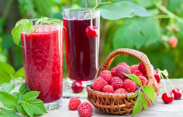 Картинка вишня, малина, сок, стаканы