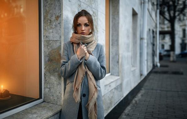 Картинка осень, улица, здание, Девушка, окно, пальто, Александр Куренной