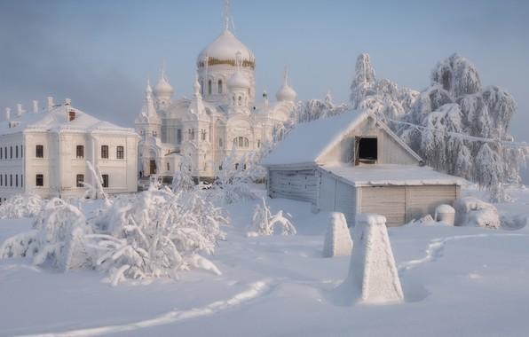 Картинка зима, снег, пейзаж, храм, монастырь, купола, Пермский край