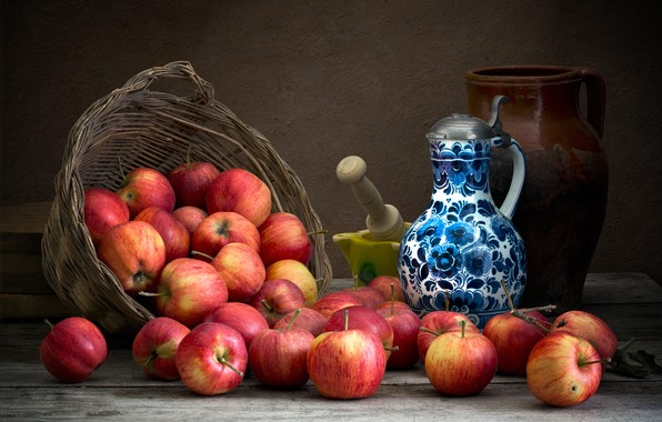 Картинка темный фон, яблоки, еда, посуда, кувшин, фрукты, натюрморт, композиция