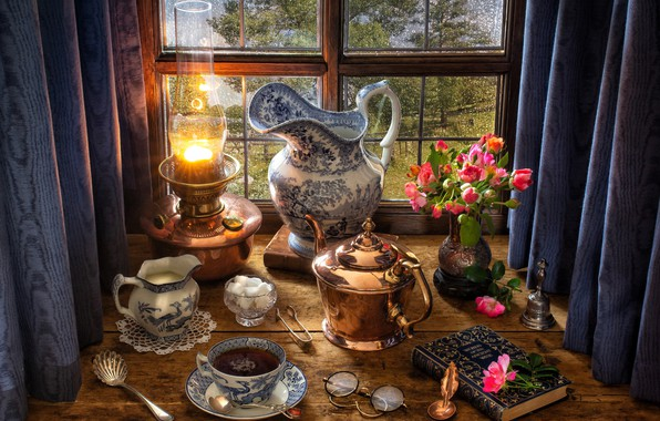 Картинка цветы, стиль, чай, лампа, розы, букет, чайник, окно, очки, сахар, книга, кувшин, натюрморт