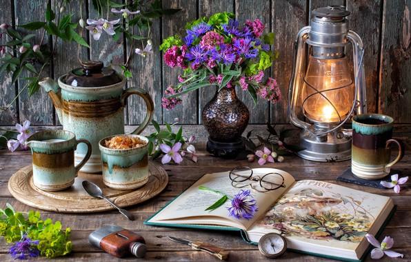 Картинка цветы, стиль, лампа, кофе, букет, очки, кружка, книга, натюрморт, компас, васильки, клематис, кофейник
