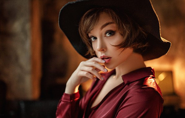 Картинка взгляд, поза, модель, портрет, шляпа, макияж, прическа, шатенка, полумрак, красотка, боке, Olya Pushkina, Serg Potulny