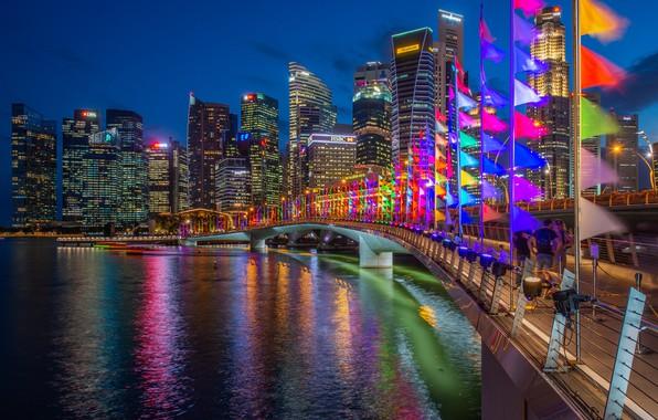 Картинка мост, здания, дома, залив, Сингапур, ночной город, флажки, небоскрёбы, Singapore, Marina Bay, Марина-Бэй, Jubilee Bridge