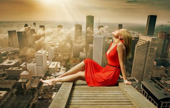 Картинка крыша, грудь, лето, девушка, облака, свет, город, поза, тепло, настроение, наслаждение, отдых, релакс, ноги, здания, …