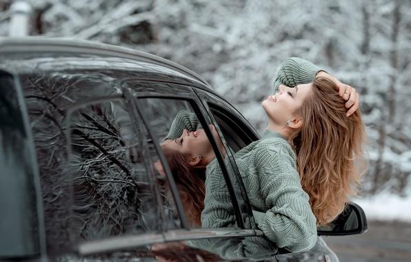 Картинка машина, авто, девушка, лицо, поза, настроение, волосы, свитер, закрытые глаза, Виктория Носачёва