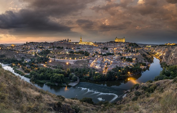 Картинка огни, река, замок, дома, вечер, панорама, Испания, Толедо
