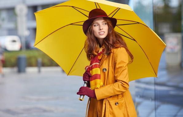 Картинка поза, жёлтый, портрет, шляпа, зонт, макияж, шарф, прическа, перчатки, шатенка, красотка, стоит, плащ, держит, боке, …