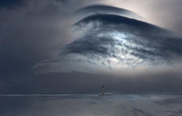 Картинка море, облака, маяк, свечение, sea, glow, clouds, lighthouse, Uschi Hermann