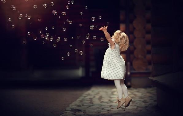 Картинка пузыри, прыжок, игра, мыльные пузыри, девочка, малышка, ребёнок, Марианна Смолина