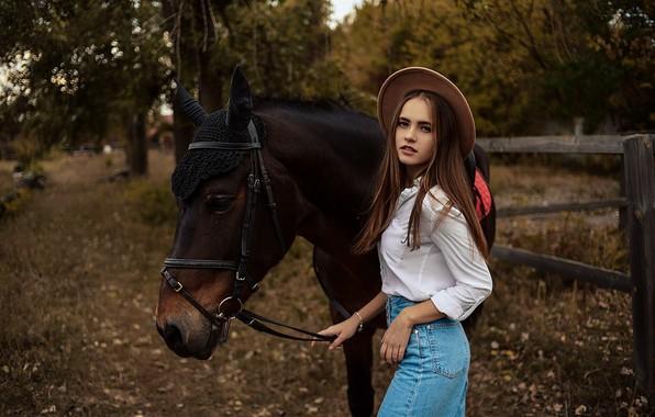 Картинка девушка, конь, лошадь, шляпка, Алина Божко, Кристина Степанова