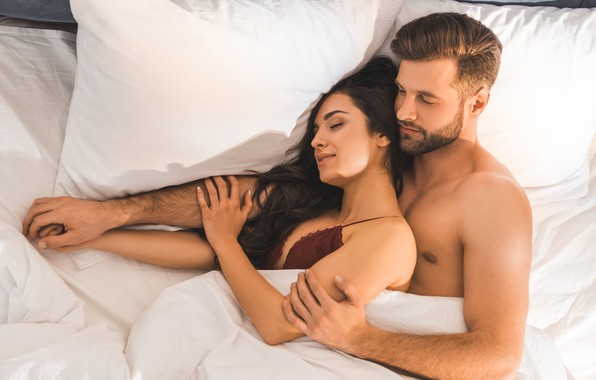 Картинка love, woman, man, hug, smiles, bed, underwear, sleeping