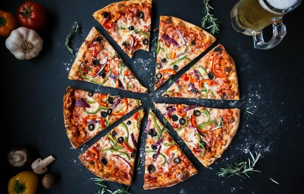 Картинка грибы, еда, пиво, сыр, лук, перец, пицца, томат, помидор, помидоры, оливки, томаты, food, pizza, beer, …