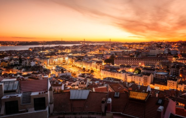 Картинка закат, река, здания, дома, панорама, Португалия, ночной город, Лиссабон, Portugal, Lisbon, Tagus River, Река Таху