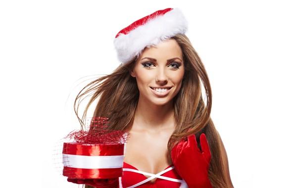 Картинка улыбка, праздник, коробка, подарок, шапка, новый год, портрет, рождество, макияж, платье, прическа, белый фон, перчатки, …