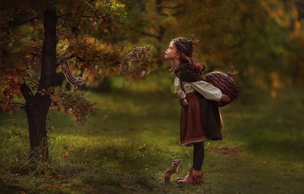 Картинка дерево, девочка, дуб, бурундуки, Любовь Пятовская