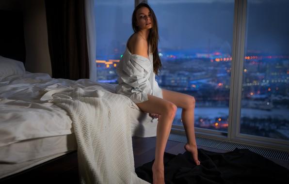 Картинка девушка, поза, кровать, окно, блузка, Margo Amp, Vladimir Nikolaev