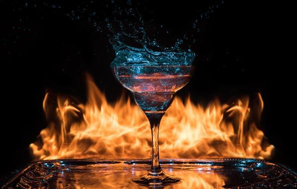 Картинка огонь, бокал, коктейль