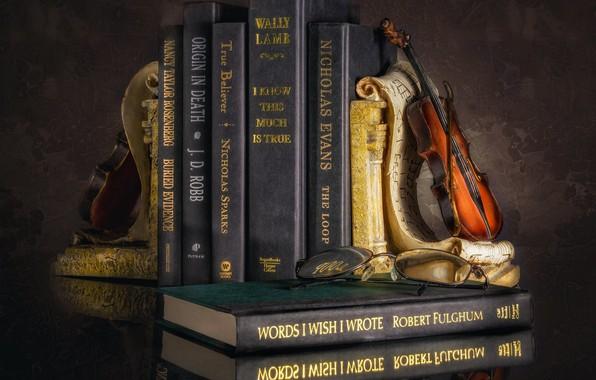 Картинка скрипка, книги, натюрморт