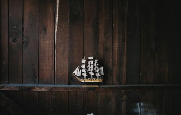 Картинка модель, корабль, полка, andrew neel