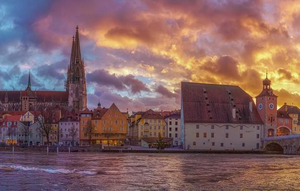 Картинка небо, закат, мост, река, здания, дома, Германия, Бавария, панорама, собор, набережная, Germany, Bavaria, Регенсбург, Regensburg, …