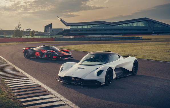 Картинка машины, Aston Martin, фары, суперкар, трек, гиперкар, Valkyrie, Red Bull Racing, Valhalla