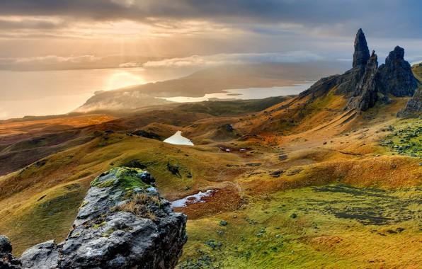 Картинка небо, облака, лучи, свет, пейзаж, горы, природа, туман, озеро, река, камни, скалы, рассвет, берег, склоны, ...