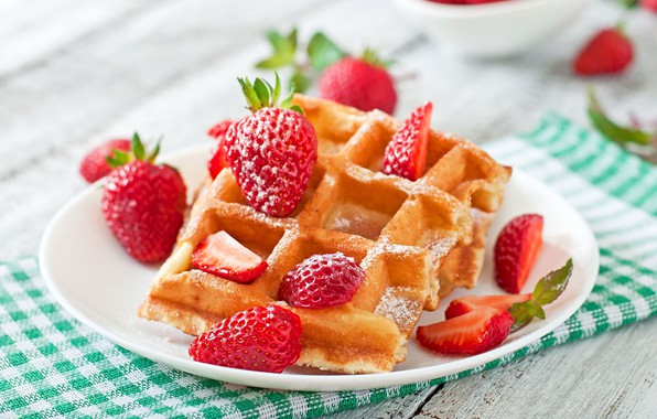 Картинка ягоды, клубника, десерт, wood, вафли, выпечка, салфетка, strawberry, cakes, dessert, berries, waffles