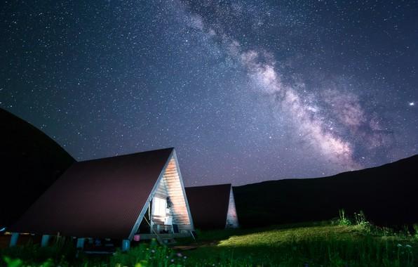Картинка небо, свет, пейзаж, горы, ночь, природа, звёзды, домики, млечный путь, Сочи, Бзерпский карниз