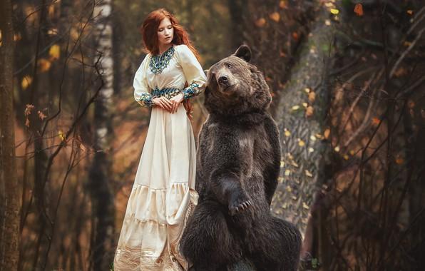 Картинка осень, лес, девушка, поза, платье, медведь, рыжая, рыжеволосая, Анастасия Бармина