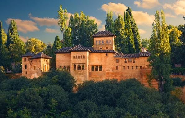 Картинка зелень, небо, солнце, облака, деревья, замок, крепость, Испания, Alhambra, Granada