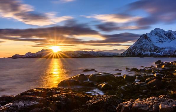 Картинка закат, горы, камни, скалы, побережье, Норвегия, Lofoten
