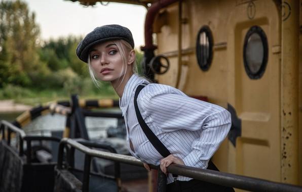 Картинка взгляд, девушка, поза, кепка, рубашка, подтяжки, Олег Климин, Екатерина Наговицына