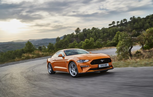 Картинка оранжевый, движение, Ford, поворот, 2018, фастбэк, Mustang GT 5.0