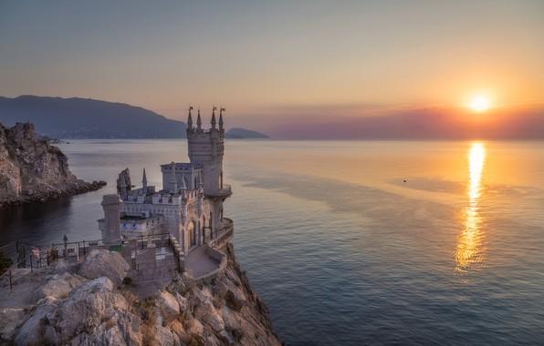 Картинка море, скала, восход, замок, рассвет, утро, Россия, Крым, водная гладь, Ласточкино гнездо, Чёрное море, Аврорина …