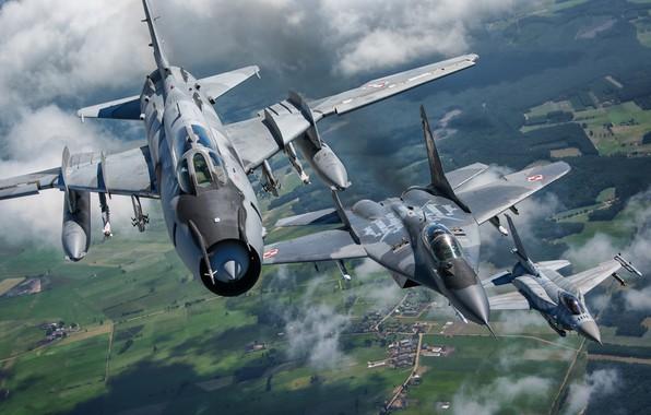 Картинка F-16, Миг-29, Истребитель-бомбардировщик, F-16 Fighting Falcon, Су-22, Sukhoi Su-22M4, ВВС Польши, Су-22М4