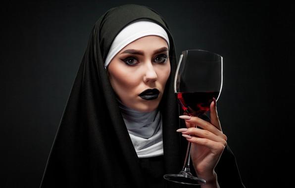 Картинка взгляд, девушка, лицо, фон, вино, бокал, рука, макияж, монашка, Карина, монахиня, Евгений Дёгтев