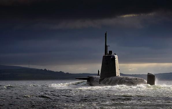 Картинка Море, Волны, Берег, Тучи, Пена, Флот, АПЛ, Royal Navy, ВМС Великобритании, ПЛАТ, Великобриания, HMS Ambush, …