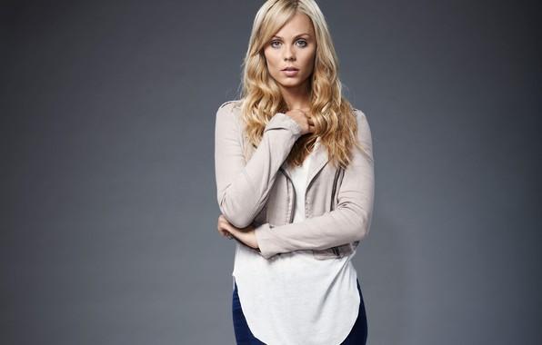 Картинка взгляд, поза, макияж, актриса, прическа, hair, look, actress, Laura Vandervoort, makeup, hairstyle, Лора Вандерворт