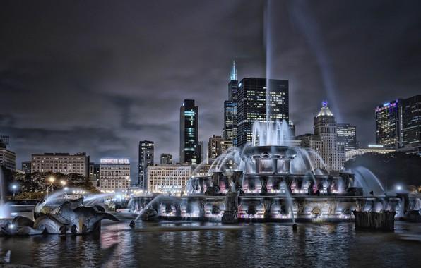 Картинка здания, дома, Чикаго, фонтан, Иллинойс, ночной город, Chicago, Illinois, небоскрёбы, Buckingham Fountain, Букингемский фонтан
