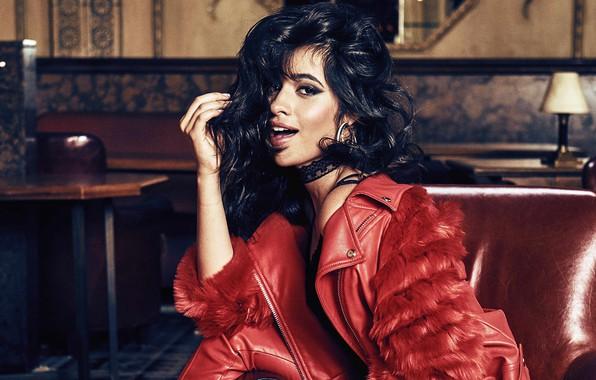 Картинка девушка, поза, волосы, макияж, куртка, красотка, Camila Cabello