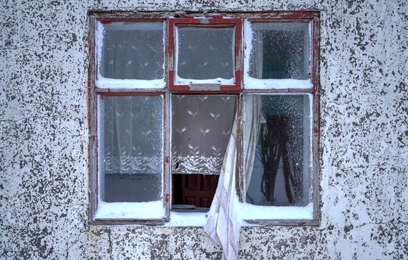 Картинка дом, стена, окно, занавески