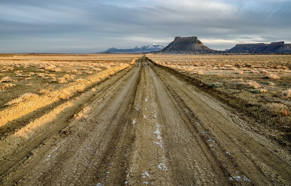 Картинка road, Utah, Factory Butte, North Cainville Plateau