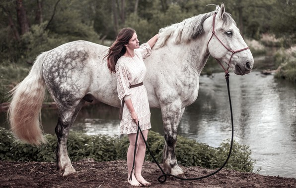 Картинка девушка, река, конь