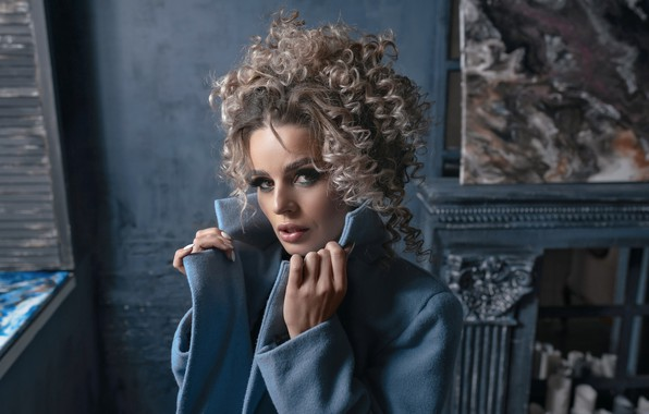 Картинка взгляд, девушка, лицо, поза, портрет, макияж, кудри, Вадим Миронов, Вики Можаркина